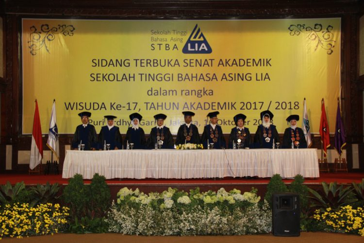 Acara Wisuda STBA LIA Jakarta 2018