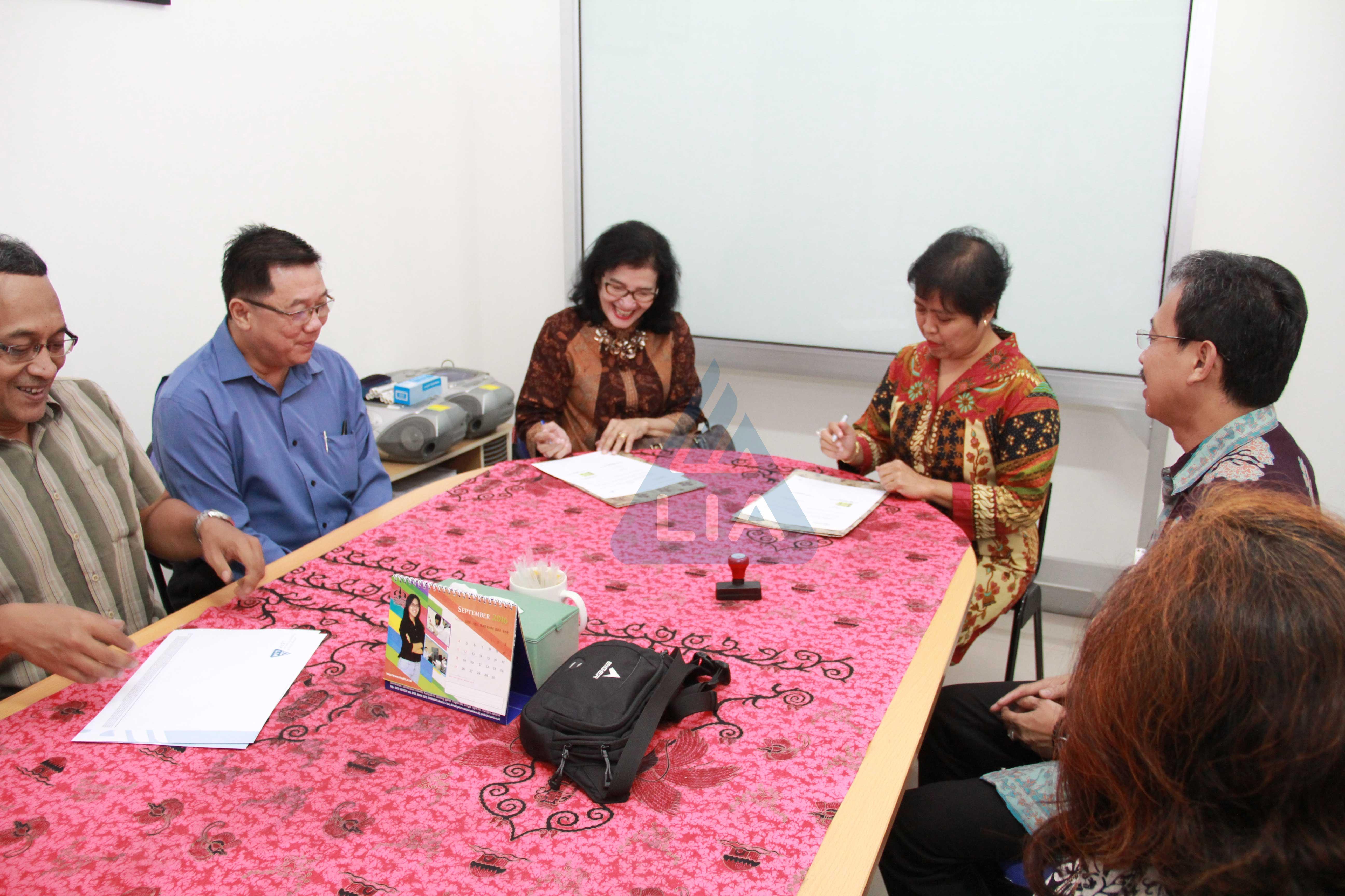 LIA Grogol MOU Dengan Pusat Bahasa Universitas Trisakti Jakarta