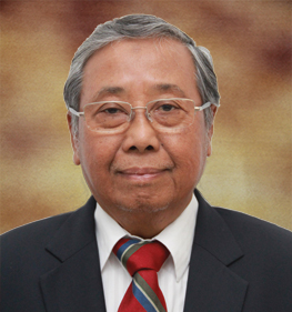 Prof. DR. Sutjipto (Anggota Pembina)