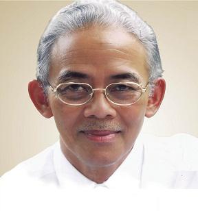 Prof. Dr. H. Arief Rachman (Anggota Pembina)
